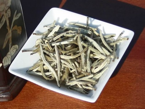 white tea yunnan silver needle